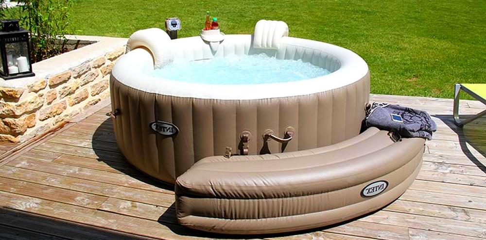 Passer du bon temps avec un spa gonflable dans son jardin